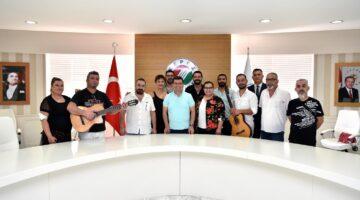 """Tütüncü, """"Antalya sanatçılarıyla güzel"""""""