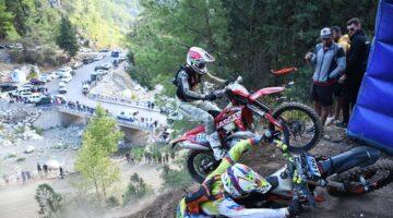 Bu yıl 12'ncisi düzenlenen Sea To Sky Enduro Motosiklet Yarışları